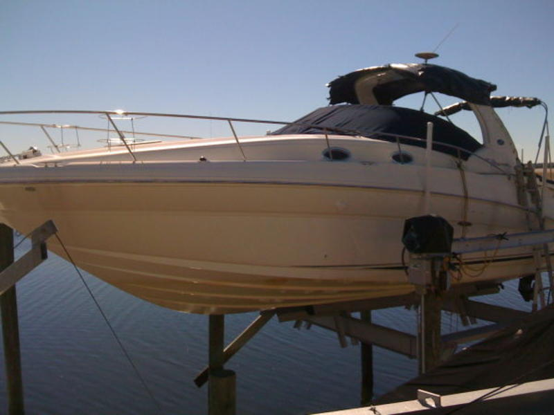 2004 Sea Ray 320 Sundancer located in Florida for sale