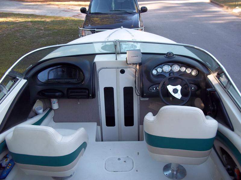 1997 Stingray 220SX located in Alabama for sale