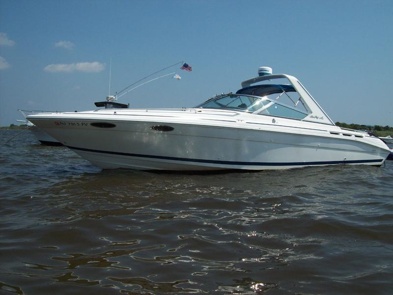 1993 SeaRay Sun Sport located in New Jersey for sale