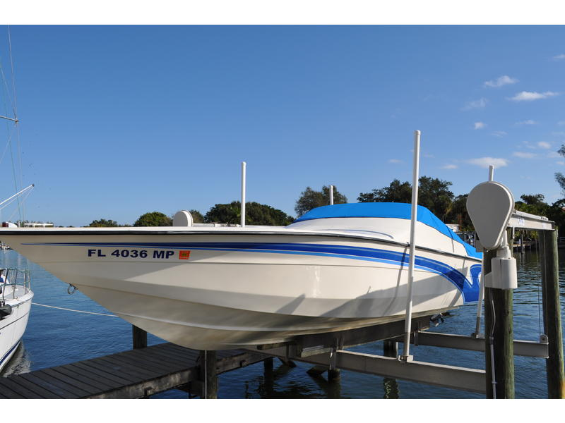 2005 velocity 280 located in Florida for sale
