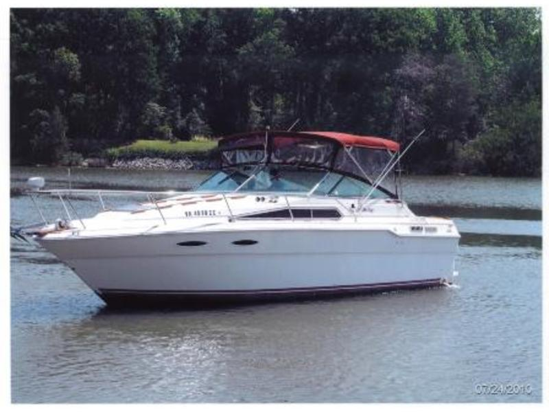 1985 Sea Ray 30 Weekender located in Virginia for sale