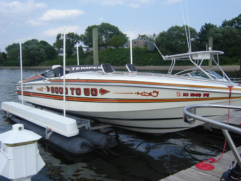 1986 Tempest 32 Sport located in New Jersey for sale