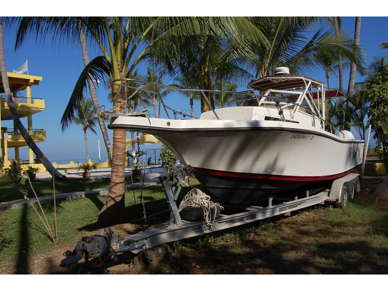 1989 Mako 263 Cuddy Cabin W Trailer located in  for sale