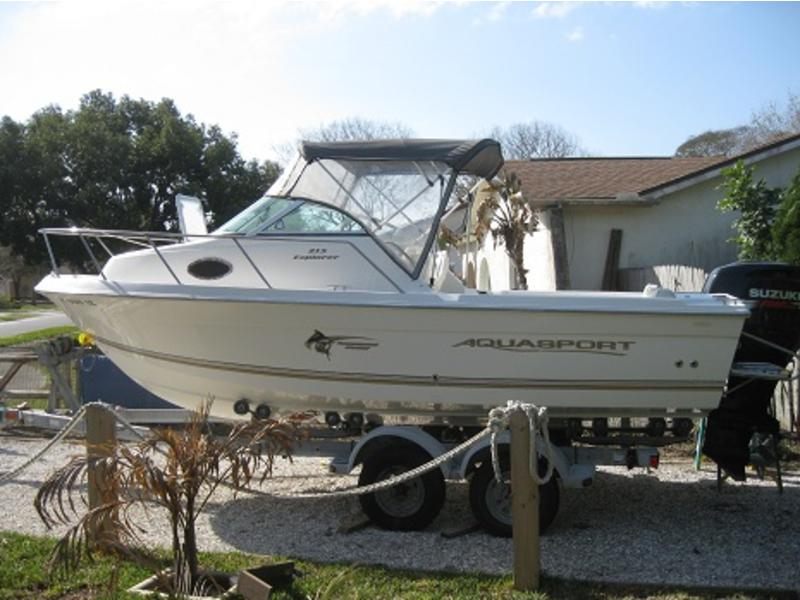 2003 AquaSport 215 Explorer located in Florida for sale