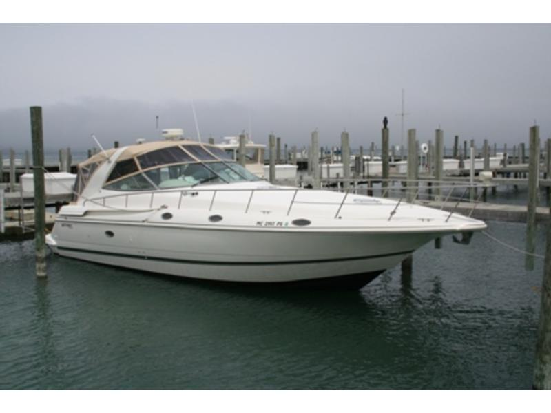 1997 Cruisers Yacht Inc 4270 Express located in Michigan for sale