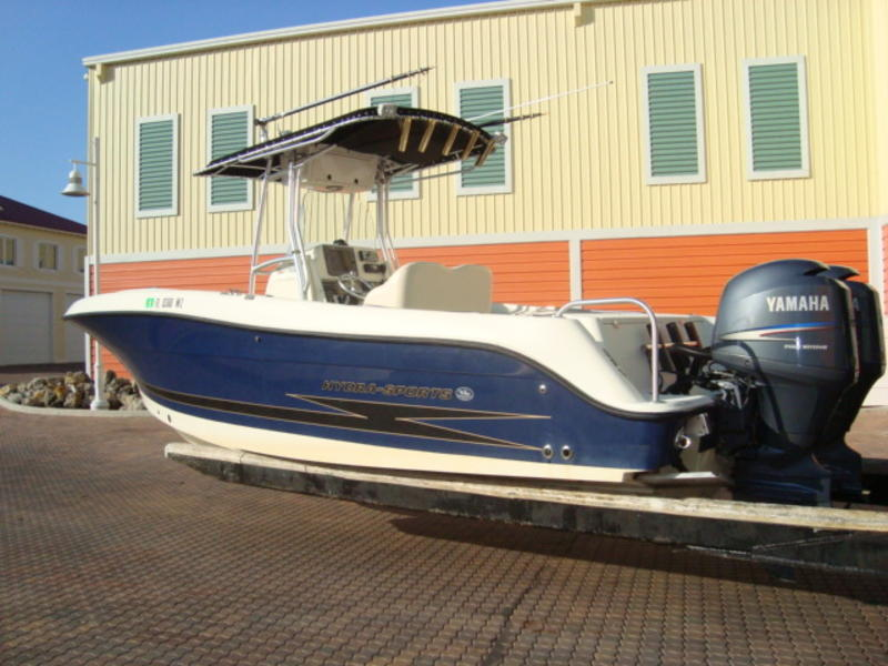 2006 Hydra Sport 2500 Center Console located in Florida for sale