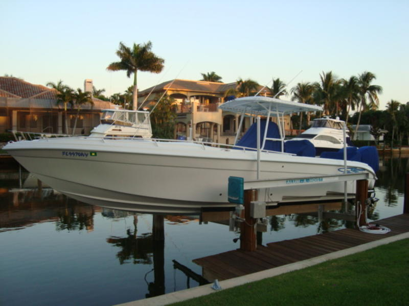 2010 Glasstream 328 SCX Center Console w Bow Cuddy located in Florida for sale