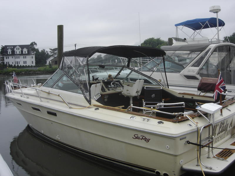 1980 Sea Ray Weekender located in New York for sale