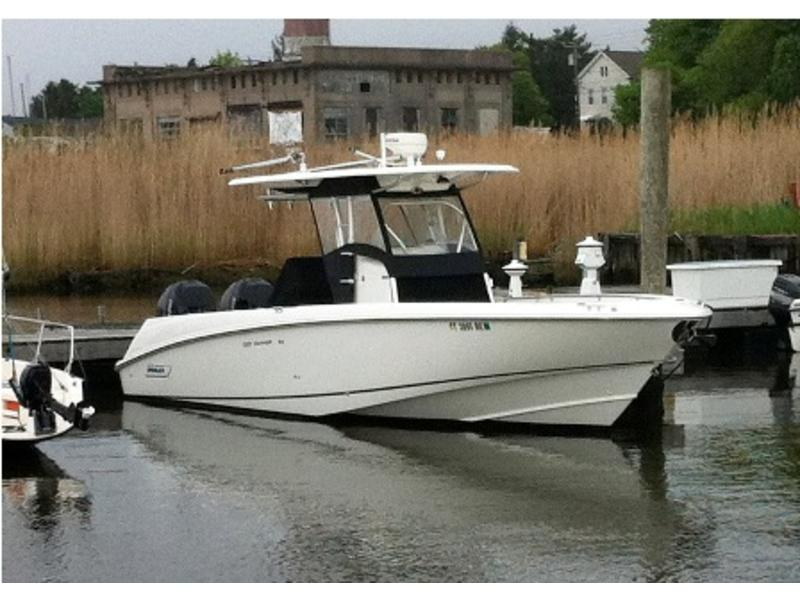 2005 Boston Whaler 320 Outrage located in Connecticut for sale