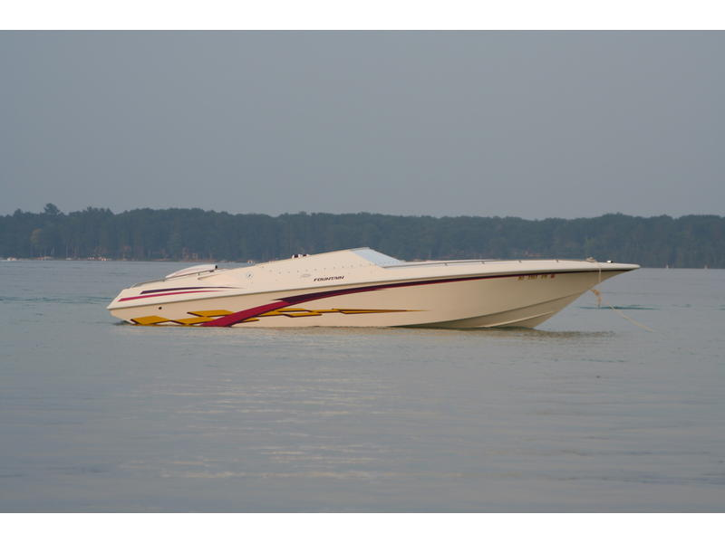 1998 FOUNTAIN FEVER located in Michigan for sale