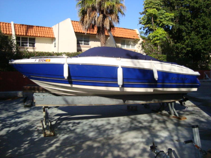 2006 Monterey Bow Rider located in Florida for sale