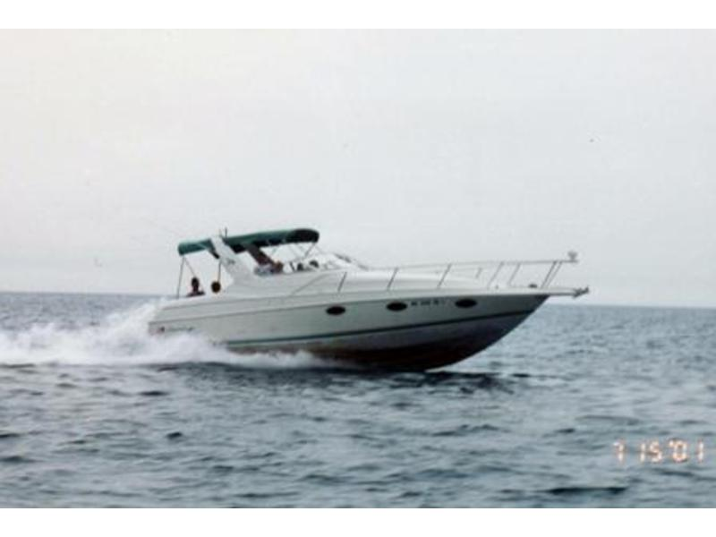 1993 Chris Craft 302 Crowne located in Michigan for sale