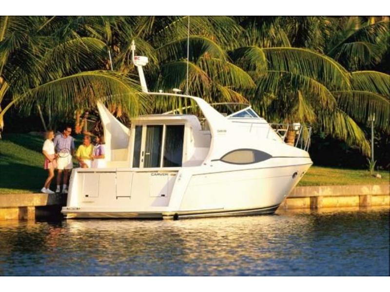 2001 CARVER 350 MARINER located in California for sale