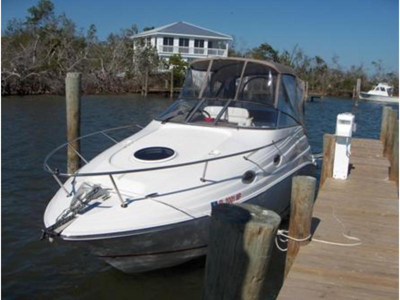 2004 Regal Commodore 2665 located in Florida for sale