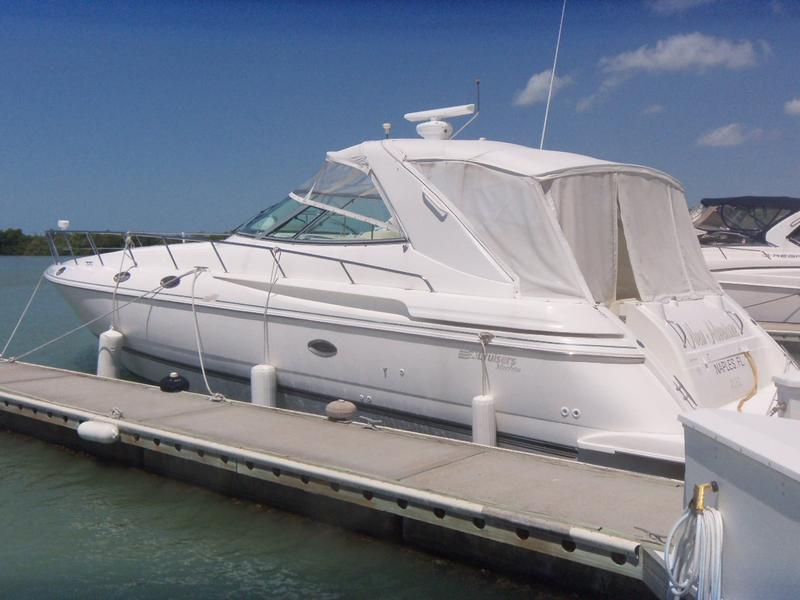 1997 CRUISERS 42 EXPRESS located in Florida for sale