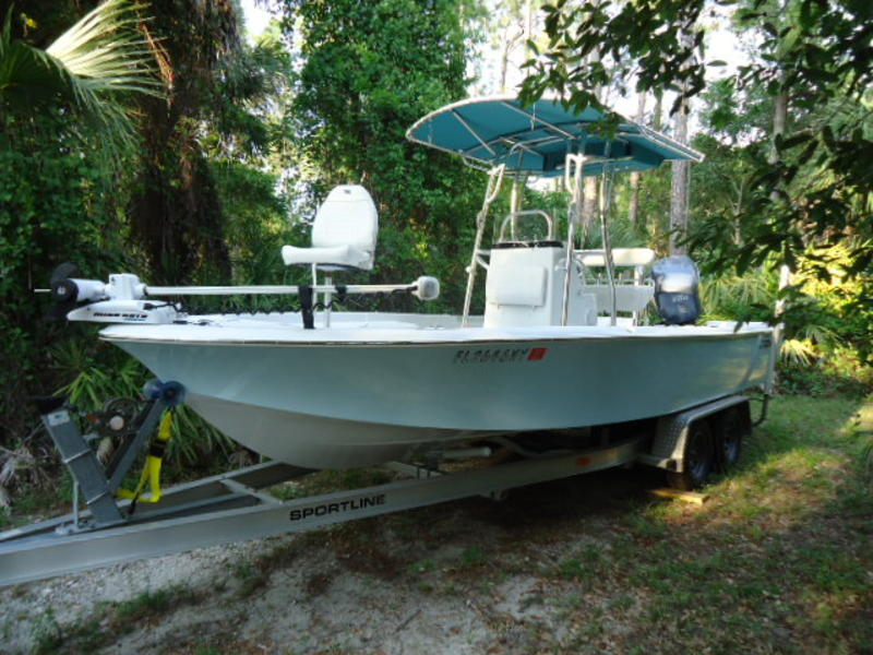 2008 Seaswirl Striper 22BB Center ConsoleBay Boat located in Florida for sale