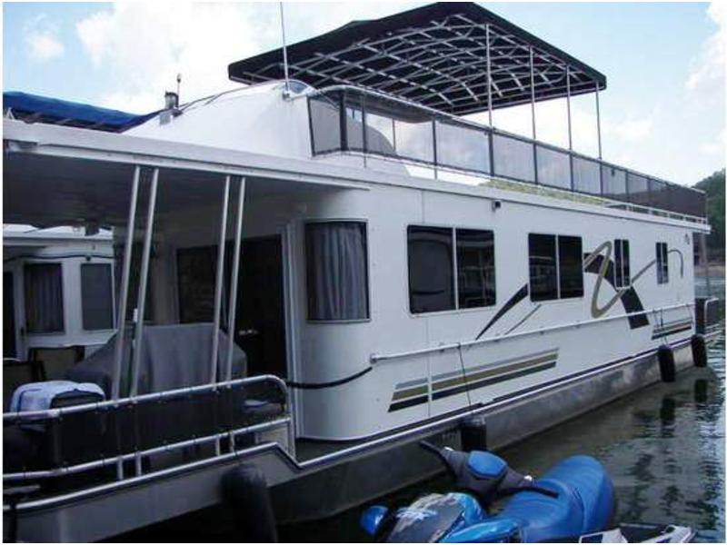 2003 Fun Time Houseboat located in Kentucky for sale