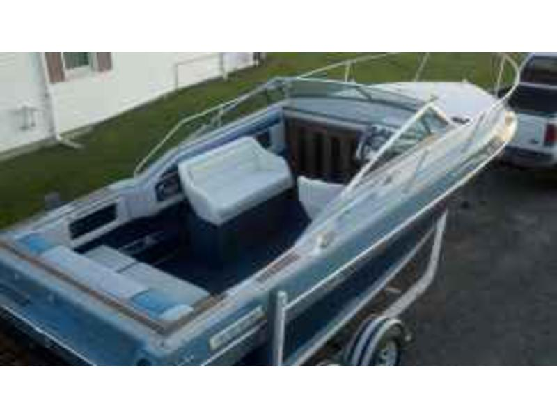 1989 Four Winns Sundowner located in New York for sale