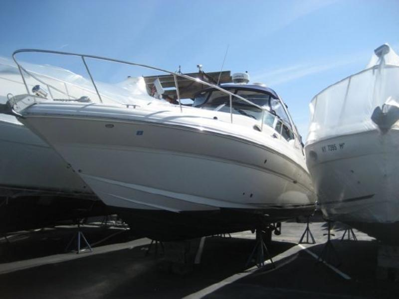 2003 SEA RAY 32 SUNDANCER located in New York for sale