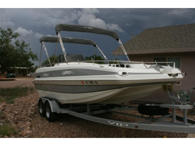 2006 VIP Deckliner 222 located in Arizona for sale