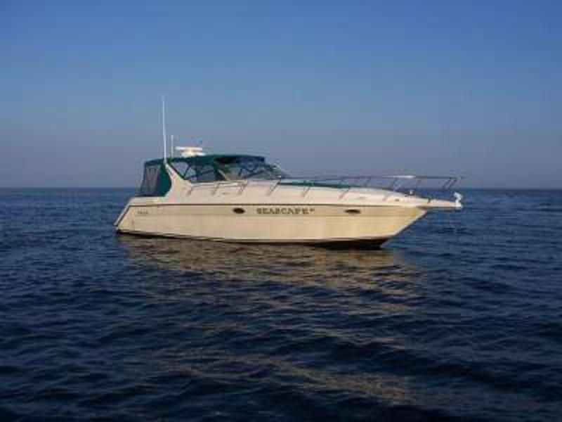 1996 Regal 402 located in Connecticut for sale