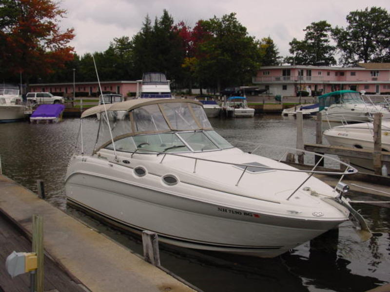 2002 Sea Ray Sundancer located in New Hampshire for sale