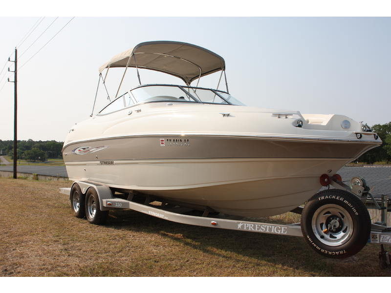 2008 Stingray 220DR located in Texas for sale