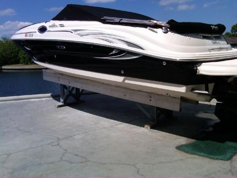 2006 Sea Ray 240 Sundeck located in Florida for sale