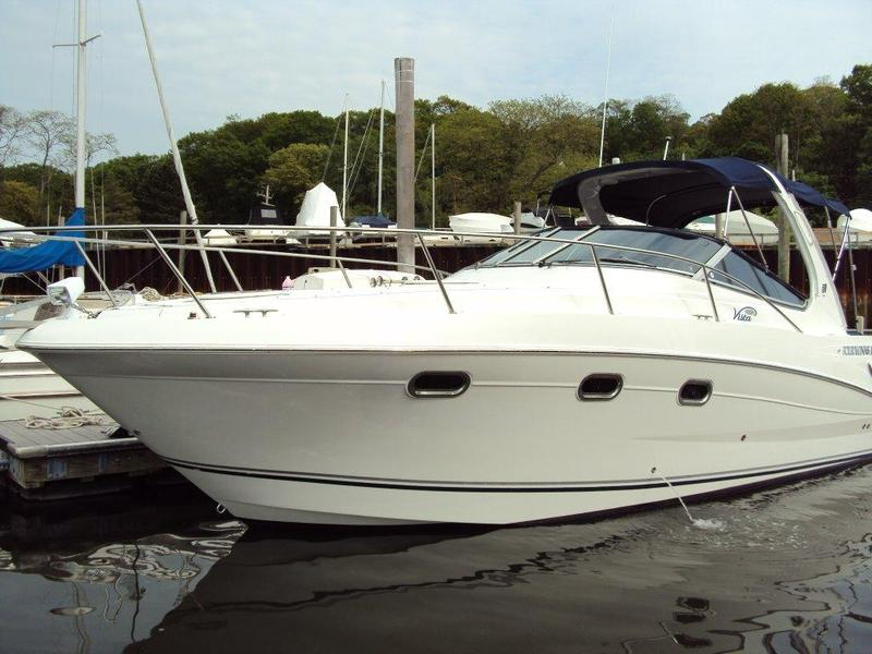 2004 four winns Vista 298 Express Cruiser located in New York for sale