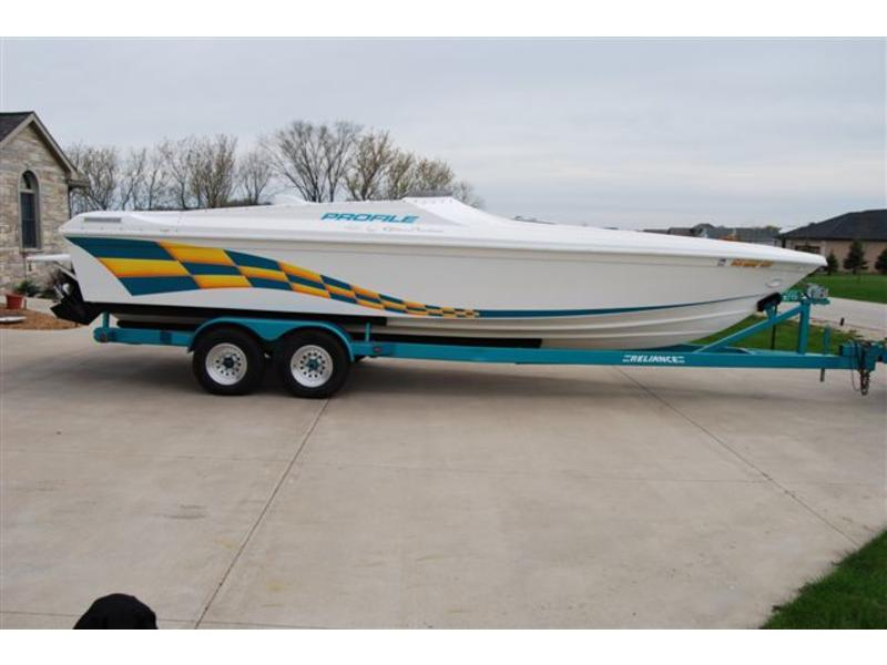 1998 profile 27v located in Wisconsin for sale