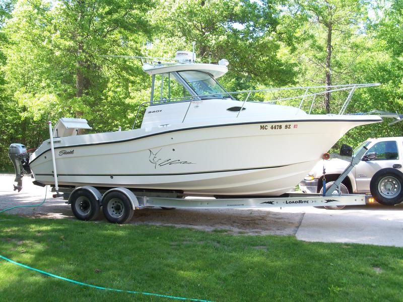 2004 Seaswirl Striper 2601wa located in Michigan for sale