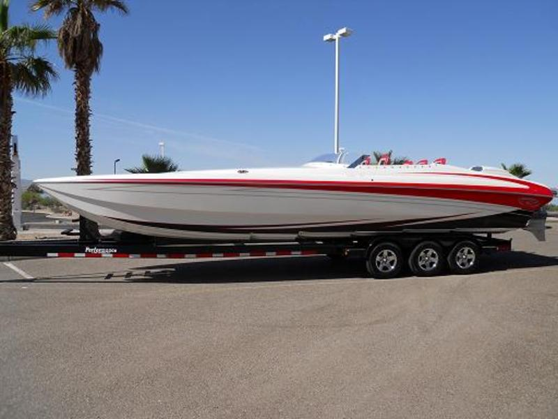 2011 SPECTRE SC32 located in Arizona for sale