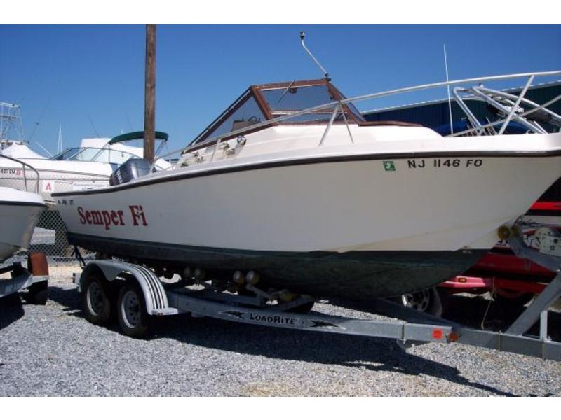 1988 MAKO 220 located in Florida for sale