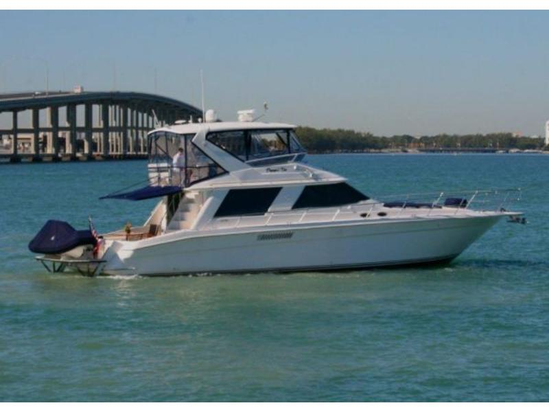 1997 Sea Ray Sedan Bridge located in Florida for sale