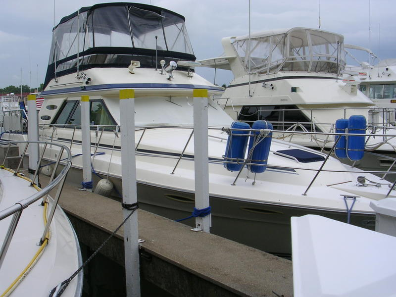 1987 Sea Ray Aft Cabin located in Ohio for sale