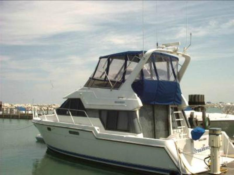 1994 Carver 370 Voyager Pilot House located in Illinois for sale