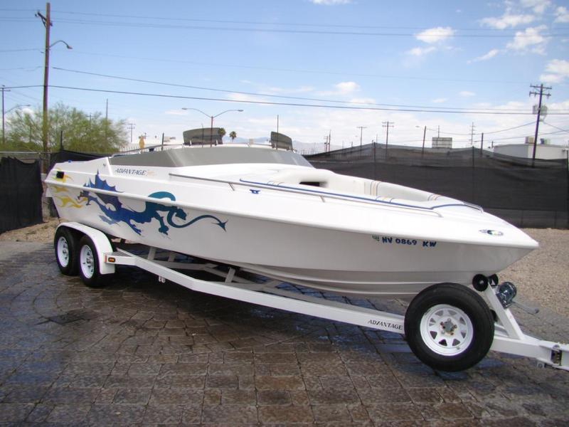 2004 Advantage Citation Cuddy Cabin located in Arizona for sale