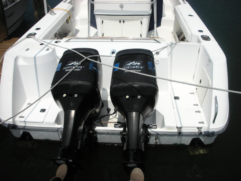 2000 Boston Whaler 28 Outrage located in Florida for sale