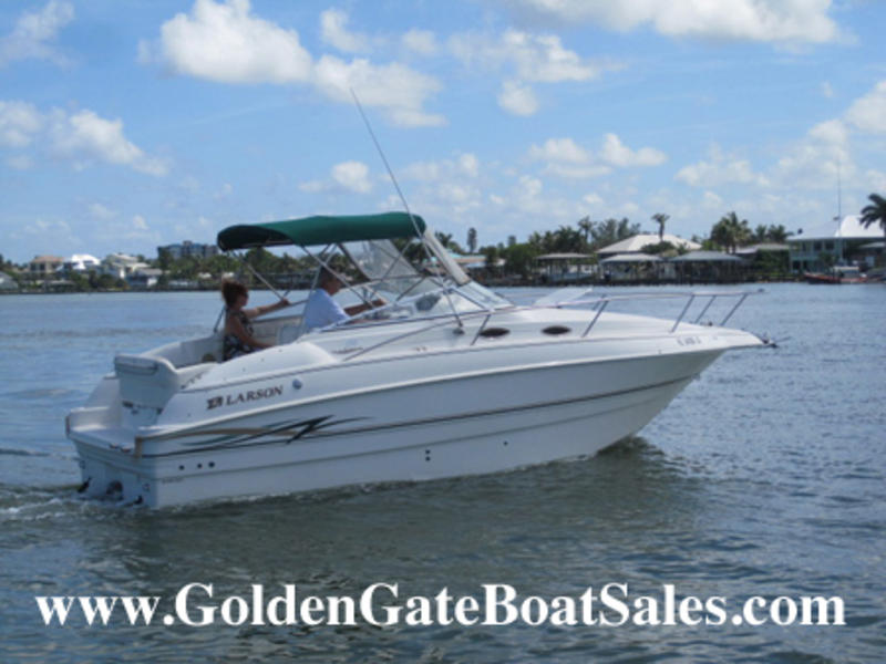 1999 Larson 254 Cabrio  located in Florida for sale