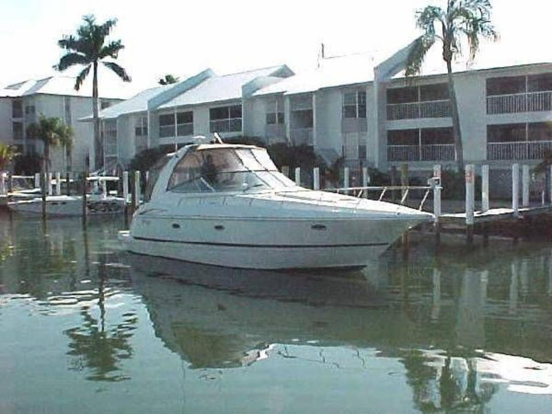 2002 Cruisers 3672 located in Florida for sale