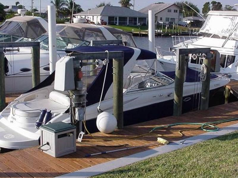 2002 Monterey 298 Bowrider with Cabin located in Florida for sale