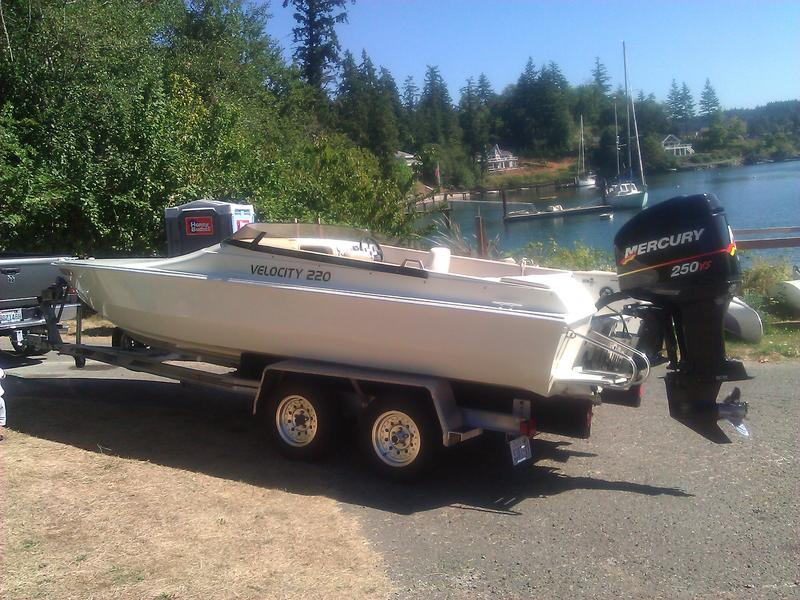 2001 VELOCITY 220 located in Washington for sale