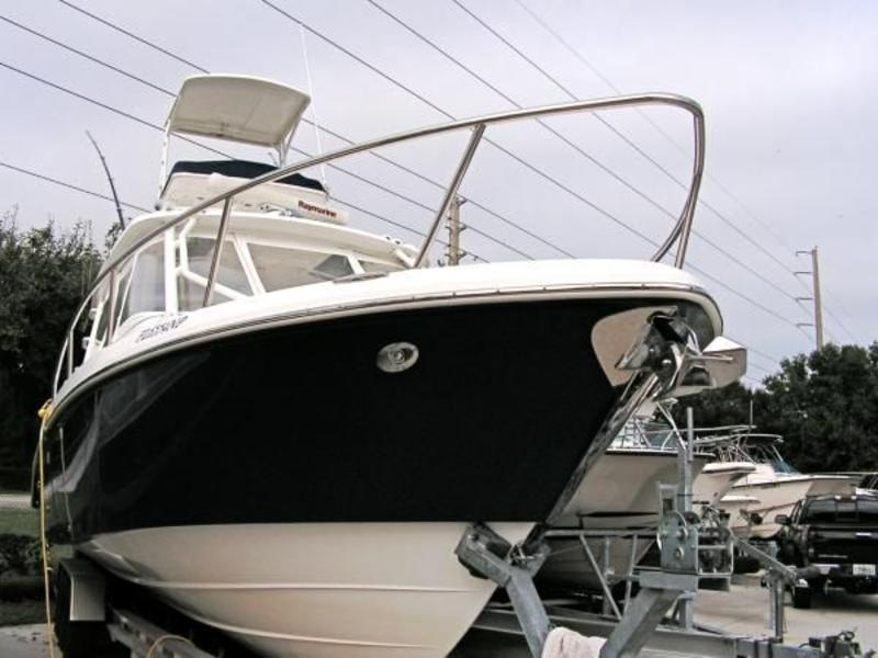 2009 Everglades 350LX located in Florida for sale