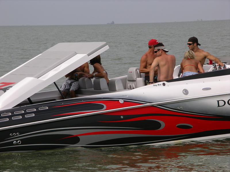 2008 DONZI 43 ZR located in New York for sale