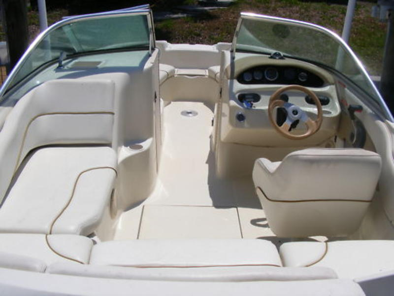 1999 Sea Ray 190 Sundeck located in Florida for sale