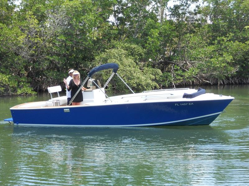 1980 RamponeSeaVee Center Console located in Florida for sale
