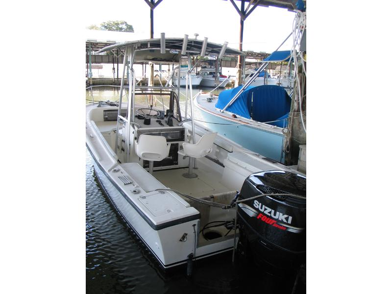 Mako 21B Engine still under warranty located in Florida for sale