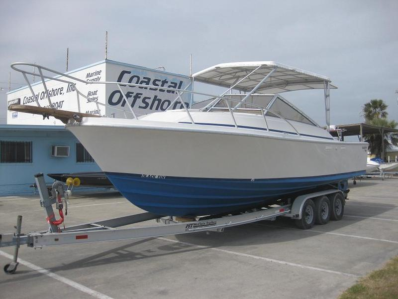 1985 Blackfin 29ft Combi located in Texas for sale