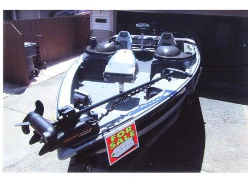 2006 Lund Mr Pike Dual Console located in California for sale