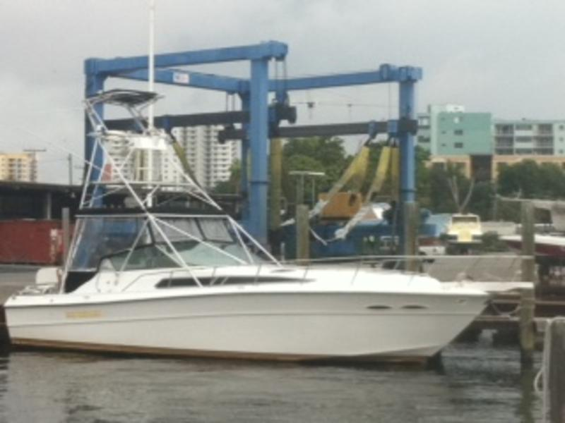 1988 sea ray 390 express cruiser sportfish located in Florida for sale